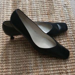 INGLEDEWS Black pump heel..Made in Spain